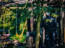Chalet in Strijbeek is na dodelijke brand decor van groot politieonderzoek
