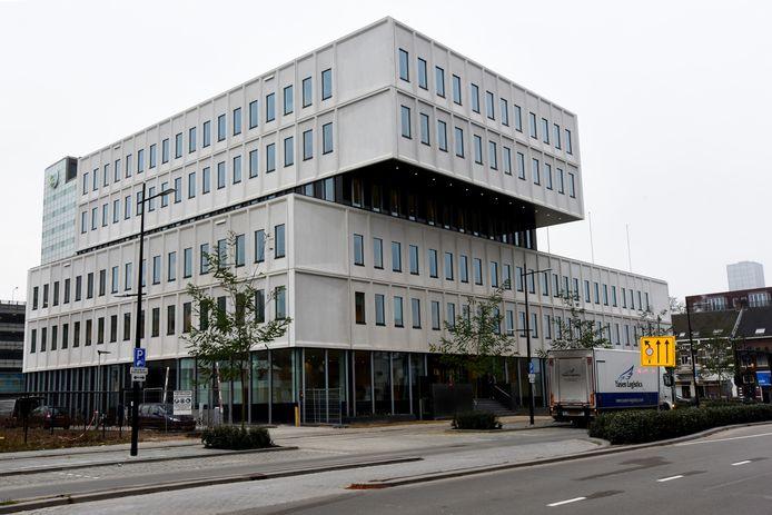 Het gebouw met UWV en Werk & Inkomen in Tilburg.