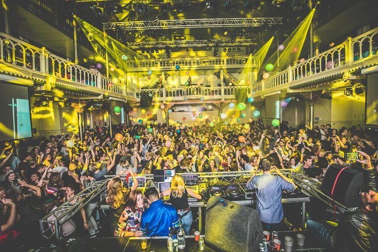 Hiphop, disco, funk en soul: al vijf jaar te horen tijdens Zwarte Koffie in Paradiso. Beeld Jordi Wallenburg