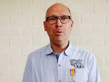 Vrijwilliger Anton Vos uit Babyloniënbroek krijgt koninklijke onderscheiding
