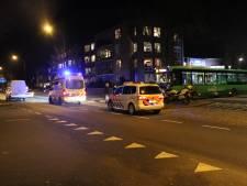 Jongen op fiets gewond na aanrijding met stadsbus in Apeldoorn