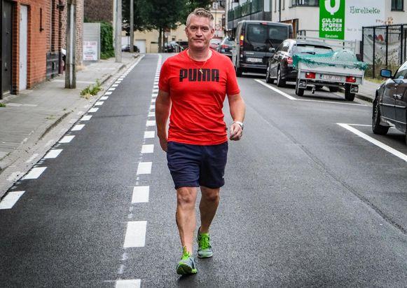 Andy wandelt 24u met levensloop ter ere van een overleden vriend.