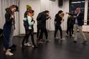Choreograaf Guilherme Miotto werkt aan de voorstelling 'Portraits'