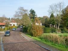 Lange buizen de grond in tegen wateroverlast Weverstraat