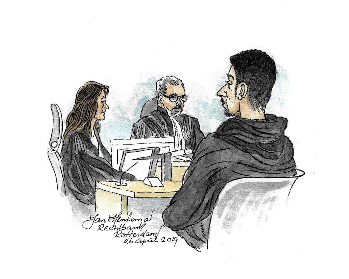 Abdoullah T. (27) moest vandaag voor de rechter verschijnen, terwijl hij dacht dat het niet strafbaar was om zijn vriend te helpen ontsnappen.