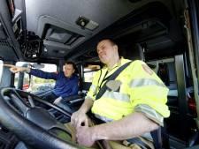 Snel oversteken of de Mozes-methode? Brandweer lest met toeters en bellen in de hele regio