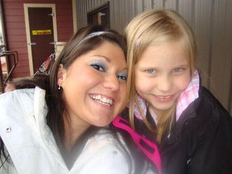 Savannah Hardin met haar stiefmoeder Jessica Mae Hardin, die eveneens beschuldigd wordt van moord.