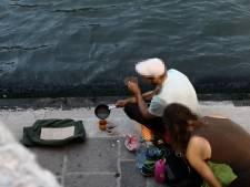 Deux touristes allemands se font un café sur le pont du Rialto à Venise: 950 euros d'amende