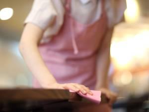 """Le témoignage d'une aide-ménagère: """"Le métier de femme de ménage est un peu comme la prostitution. Il est facile d'y entrer, mais beaucoup plus difficile d'en sortir"""""""