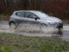 Wateroverlast in Twente: straten staan blank in Losser en Nijverdal