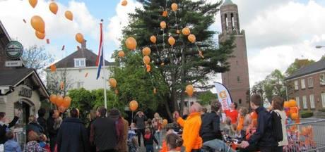 Velddriel kleurt rood wit blauw en oranje op Koningsdag