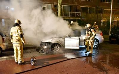 Verdachten autobranden rond jaarwisseling moeten voor de rechtbank verschijnen