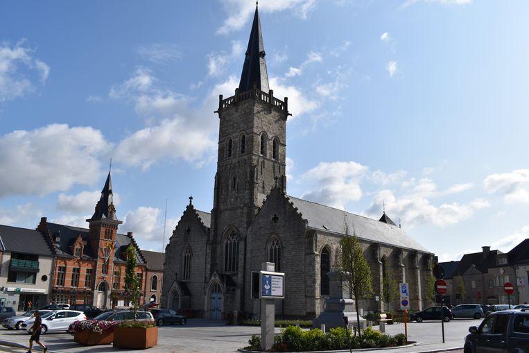 Het uurwerk op de kerktoren werd gedemonteerd voor herstellingswerken.
