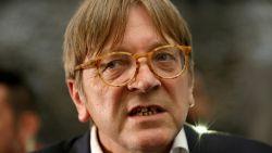 """De lockdown van politicus Guy Verhofstadt (66): """"Meer tijd om mijn vrouw te helpen in de keuken"""""""