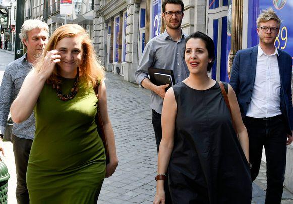 Elke Van Den Brandt en Zakia Khattabi van respectievelijk Groen en Ecolo.
