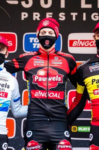 """Dominantie Pauwels Sauzen-Bingoal maakt Mettepenningen strijdvaardig: """"Willen het Van Aert ook moeilijk maken"""""""