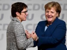"""""""L'héritière"""" désignée de Merkel renonce à lui succéder"""