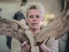 Marjo (56) weet na heftig ongeluk: nooit meer korte rokjes
