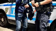 Persoon verzet zinnen met politiebezoek
