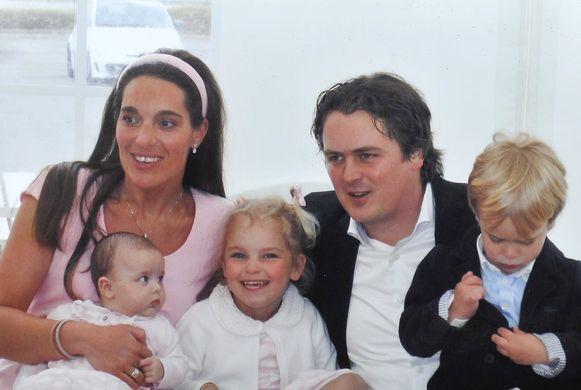 Patricia Declerck en Klaas Galle met hun kinderen Romanie, Alexine en Amaury.