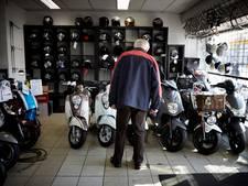 Restant vervuilende scooters mag in verkoop
