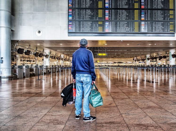 EN DIRECT: Les voyages non essentiels à l'étranger interdits - les métiers de contact pourraient rouvrir le 13 février - la conférence de presse à 19h00
