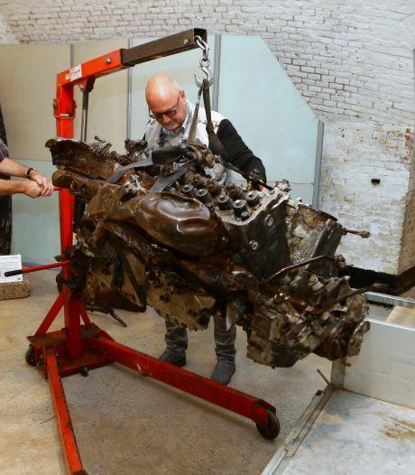 Mosquito HK529-motor van 600 kilo na 74 jaar in de grond nu in het Vurens museum