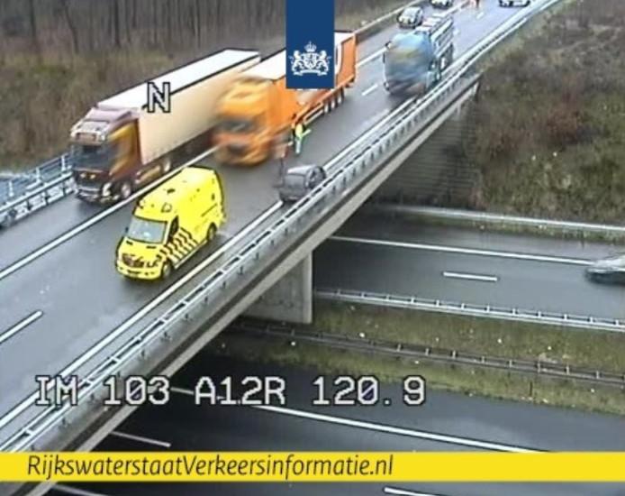 De situatie op de A50 op camerabeeld van Rijkswaterstaat.