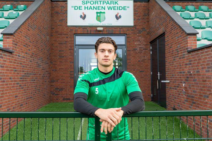 Bart Westerlaken op De Hanen Weide, het complex van zijn nieuwe club Achilles Veen.