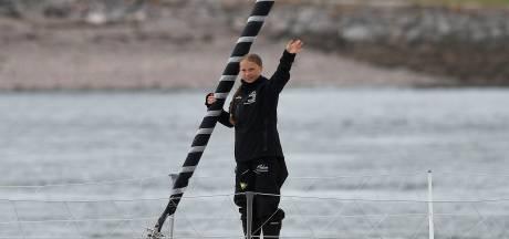 Greta Thunberg voelt zich ondanks wilde zee goed na vier dagen varen
