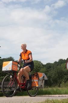 De tassen van de postbezorger op het platteland raken leeg