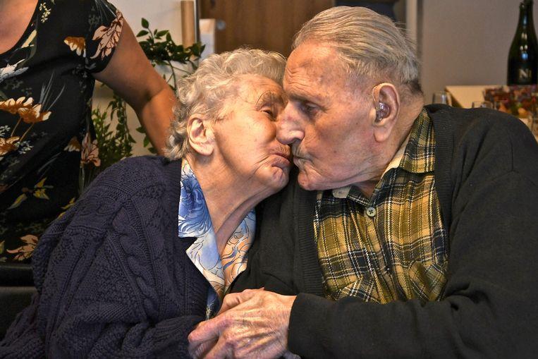 74 jaar getrouwd en nog steeds grote liefde bij Albéric Bylo en Madeleine Swaenepoel.