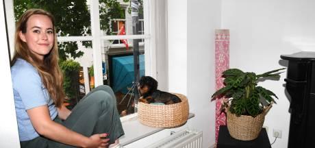 Anne (31) boos op gemeente: 'Als die camera voor mijn raam komt, hang ik er iets overheen'