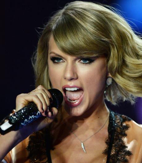 Zangeres Taylor Swift geëerd met allereerste 'Woman of the Decade Award'