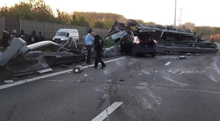 Door het ongeval was het verkeer op de E40 een tijd lang verstoord.