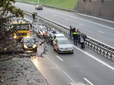 Ongeluk met vijf voertuigen zorgt voor file op A1 bij Hengelo