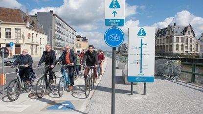 Eerste fietssnelweg in Oost-Vlaanderen is bewegwijzerd