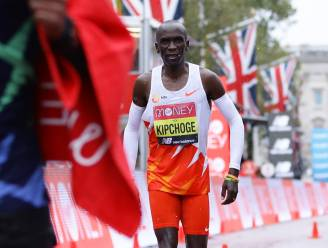 Verrassing op de marathon: Kipchoge wordt 8ste in Londen en verliest zo eerste wedstrijd in zeven jaar
