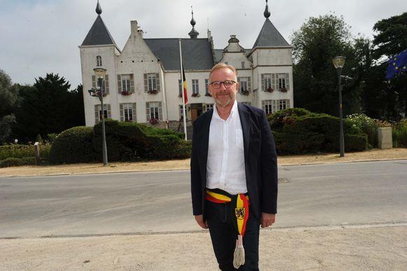 Burgemeester Walter Vansteenkiste en de schepenen kennen hun bevoegdheden.