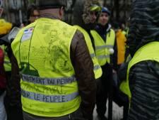 Un homme armé de deux couteaux interpellé en marge de la manifestation des gilets jaunes à Paris