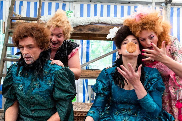 Trofonio's erfenis. V.l.n.r. Erik Slik (Artemidoro) Jacques de Faber (Plistene), Mijke Sekhuis (Ophelia) en Donij van Doorn (Dori) Beeld Lisa Maatjens