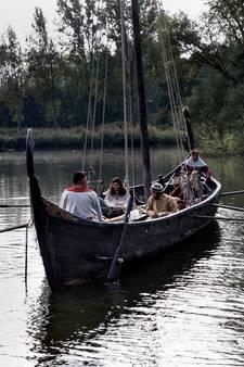 Deense Vikingboot in het preHistorisch Dorp in Eindhoven