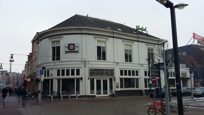 Stationsplein 1, jaren geleden toen restaurant La Cucina zich hier vestigde.