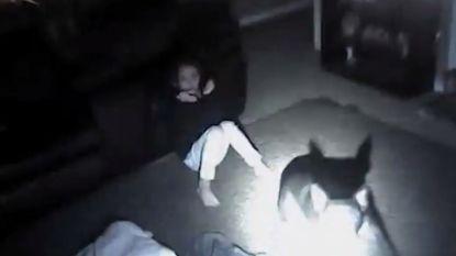 VIDEO: bodycam toont hoe agent hond neerschiet en 9-jarig meisje raakt