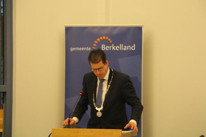 Joost van Oostrum legde als burgemeester de raad de mogelijkheden uit om te besluiten tot hertelling van de stemmen.