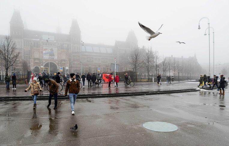 Het Rijksmuseum aan het Museumplein in Amsterdam