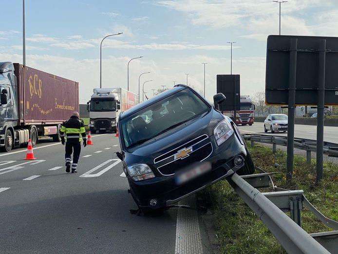 Vreemd beeld op de E40 in Brugge deze middag.
