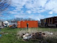 Gemeente haalt 'illegale' blokhut Buttinge leeg