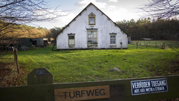Vervallen boerderij bouwlust in bos soest verkocht for Vervallen woning te koop