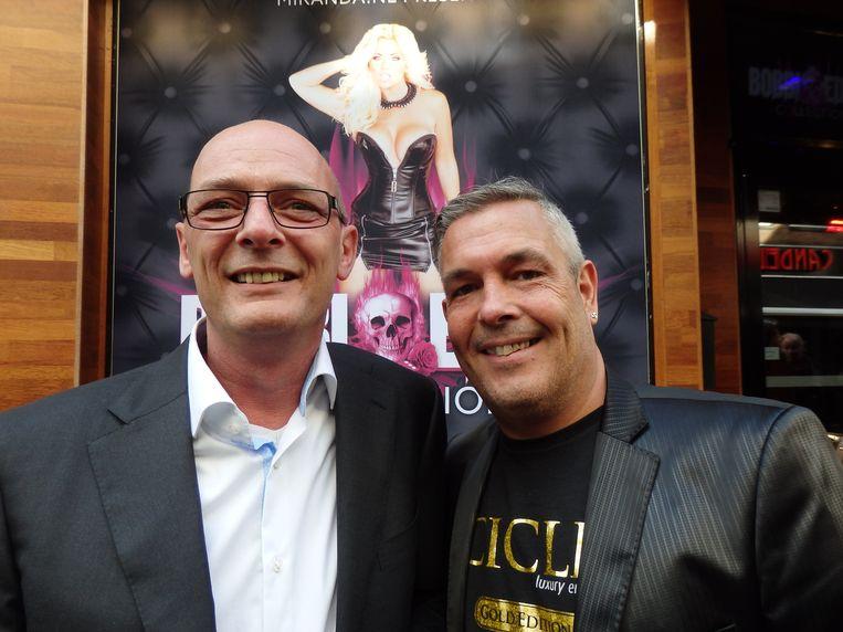 Dave de Groot (Miranda.nl) en Raymond Houtenbos (r) van Pipedreams, de grootste fabrikant van sekstoys ter wereld. Zonder deze mannen was het Bobbi allemaal niet gelukt. Beeld Schuim
